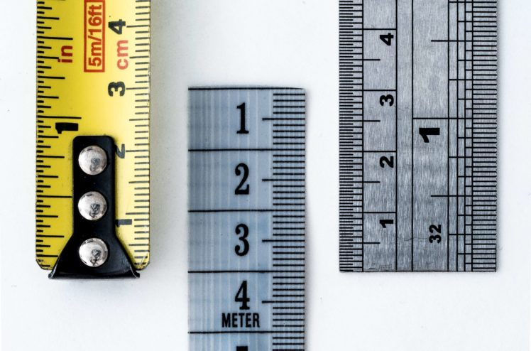 Image of rulers and measuring tapes